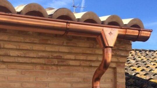 Por qué debes instalar un canalón en tu vivienda